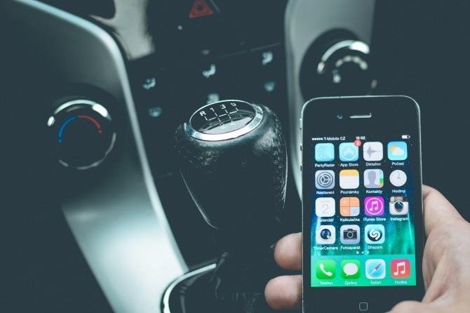Prévention auto : les dangers du téléphone au volant